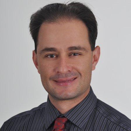 Dr. Santiago Brand