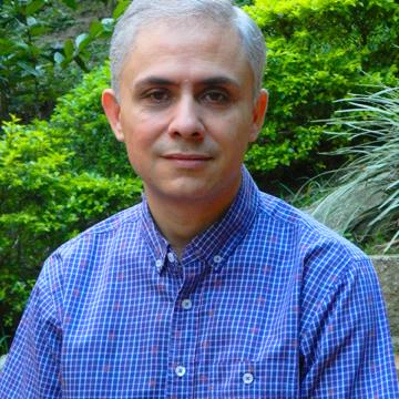 Dr. Alvaro Correa Ruíz